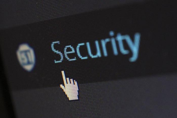 /media/post/55psufq/security-protection-anti-virus-software-60504.jpeg