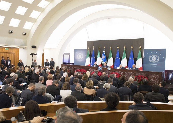 /media/post/9lq8dg8/SALA-POLIFUNZIONALE-PRESIDENZA-CONSIGLIO.jpg