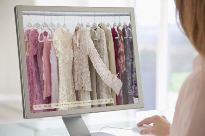 /media/post/9v3a3rc/Shopping-Fashion-Online.jpg
