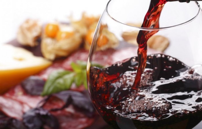 /media/post/ag7vu9b/food-wine-co-796x512.jpg