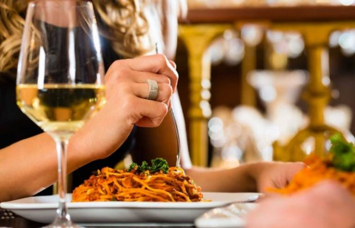 /media/post/e453dlq/fontana_feature-wine-dinner-796x512.jpg