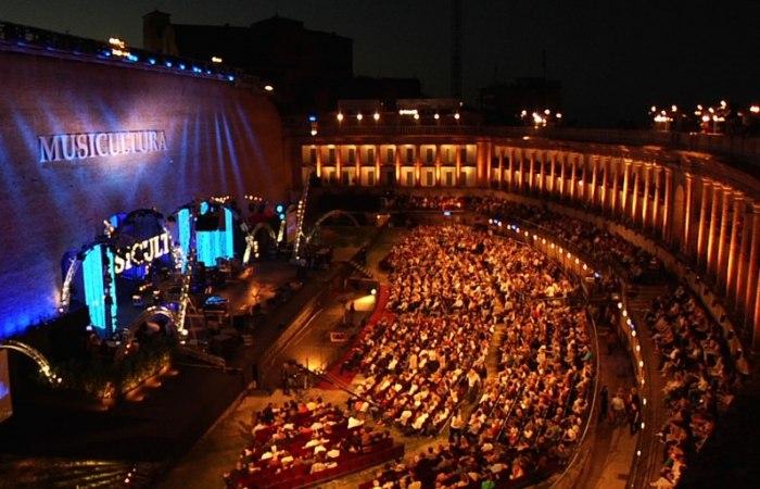 /media/post/gbdfu5r/LUXURY-EXPERIENCE-al-Macerata-Opera-Festival-con-GIOVANNI-FABIANI-796x512.jpg