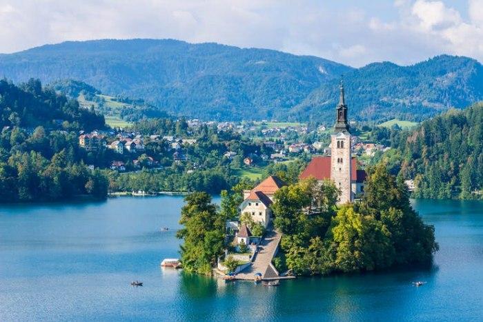 /media/post/rtgt7lp/Church-of-the-Assumption-of-Maria-Bled-Slovenia.jpg